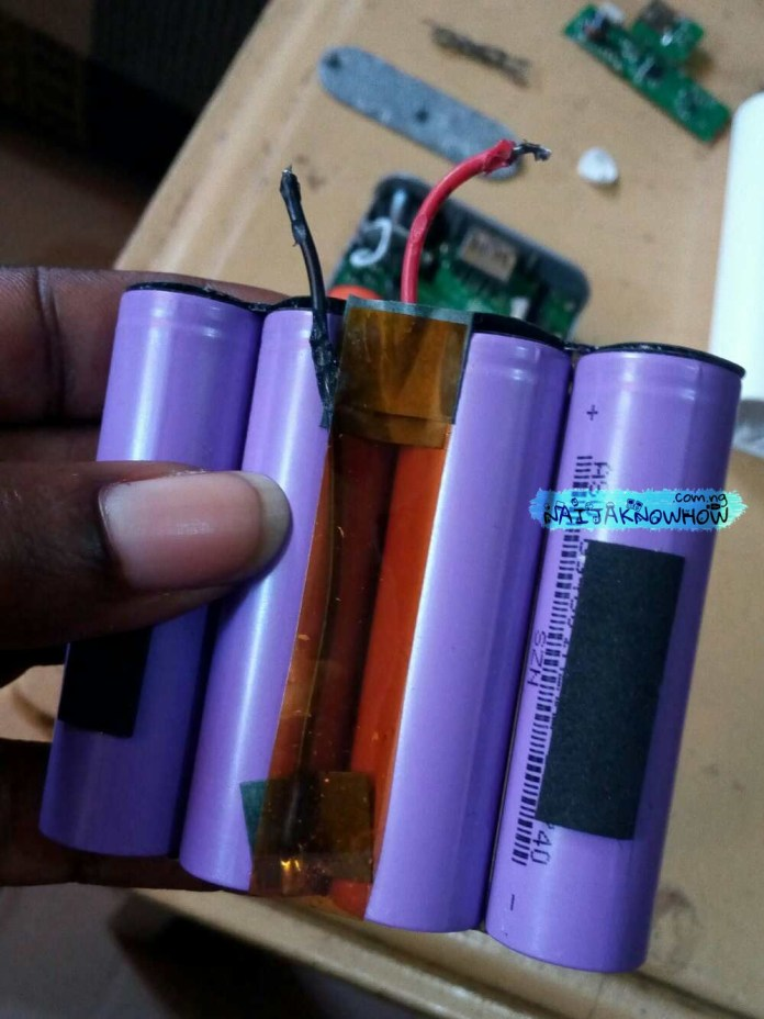 Powerbank Conversion | Opened PB 2, 4 x 2500mAh battery cells pulled out.