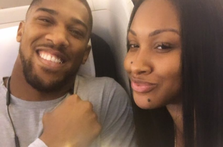 Beautiful pictures of Anthony joshua and his sister(photos)