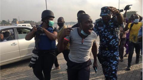 How citizens were abused and arrested by police at the lekki toll gate (Video & photos)