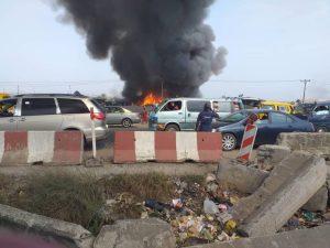Breaking News : Fire engulfs Kara Market along Lagos-Ibadan expressway.