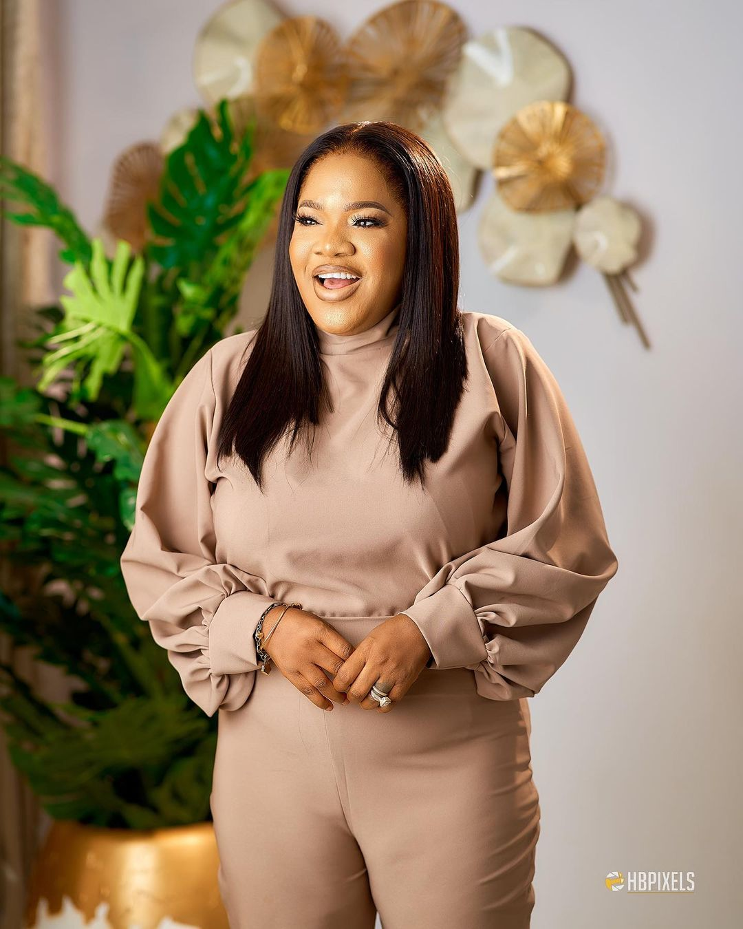 Watch Video, Toyin Abraham weeps on issue with Lizzy Anjorin