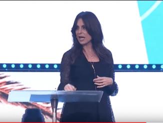 Lisa Bevere Sermon - Prophesy, Don't Criticize