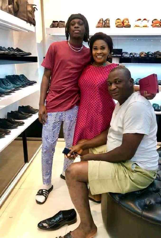 Fireboy DML Finally Shows Off His Gorgeous Parents On Social Media (Photo)