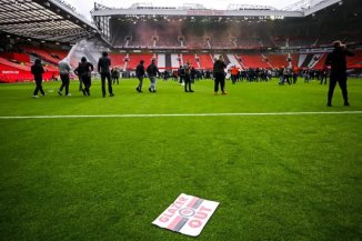 Manchester United Vs Liverpool Match Postponed After Protesting Fans Storm Old Trafford Pitch [WATCH VIDEO]