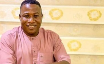 See The Moment Soldiers, DSS & Police Try To Arrest Sunday Igboho Today (Watch Video)