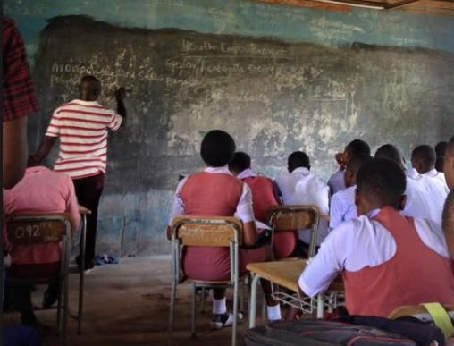 FG Moves To Extend Teachers' Retirement Age To 65 Years