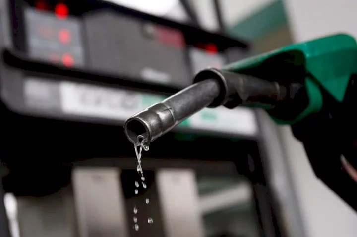 FG Clears Air On Increasing Fuel Price To N300/litre