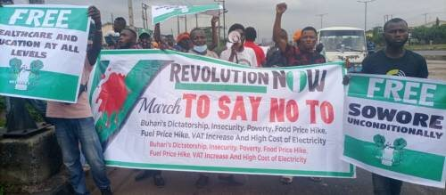 Independence Day Protest Rocks Lagos As Angry #BuhariMustGo, #RevolutionNow Protesters Storm Ojota