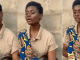 Nigerian hawker astonishes Nigerians after deploying a stylish singing features