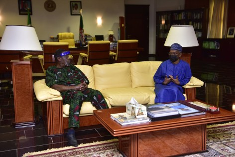 Pastor Adeboye visits Governor El-Rufai days after eight of his church members regained their freedom from kidnappers (photos)