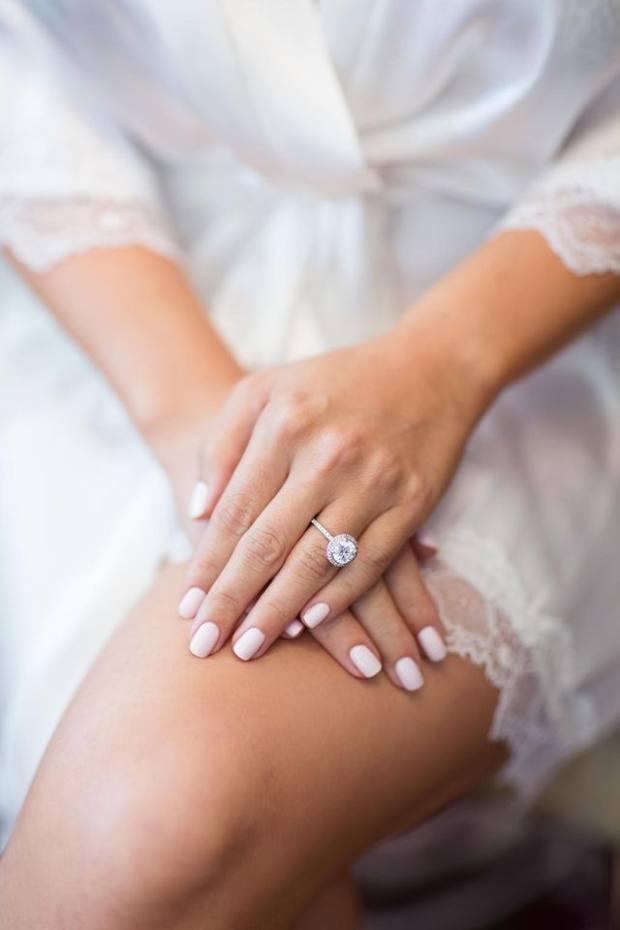 Свадебный маникюр для стильной невесты 2021 - 93