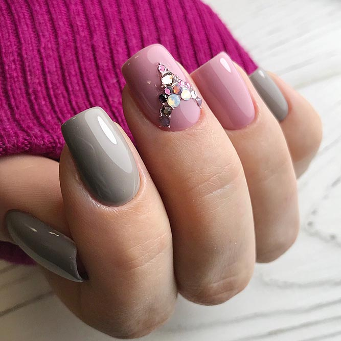 Fun Cartoon Taupe Color Nails #mediumnails #quarenails # rhinestonesnails