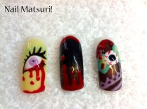 Kawaii-grotesque Gelish nails art