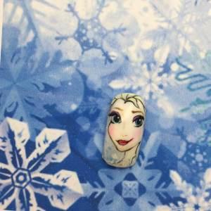 【アナと雪の女王ネイル】エルサ