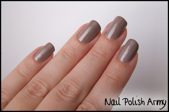 Kiko-celebration-nail-lacquer-colours-in-the-world-smalto-polish-426-satin-taupe