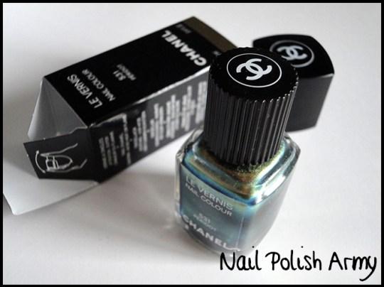 Chanel-peridot-duochrome-nail-polish