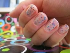 Glitter sandwich, nails, uñas, nail art, decoración de uñas, esmaltes, glitter, nude, decorados fáciles, barniz de uñas, polka.com, opi, seche vite, decorado, paso a paso, DIY