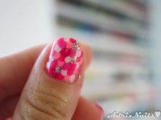 polka dots, dotticure, uñas con puntitos, puntos, octubre rosa, pink october, glitter rosa, fuerza rosa, cancer de mama, breast cancer awareness, sally hansen, chicvillage, glitter en polvo, glitter suelto, diy nails, uñas paso a paso, esmalte rosa, at first blush, esmaltes, uñas, swatches, nails, nail art, nail polish, colores, review, adrix nails, blog mexicano dedicado al nail art, blogueras mexicanas, mexican bloggers, blogs de méxico, nailpolishlove,