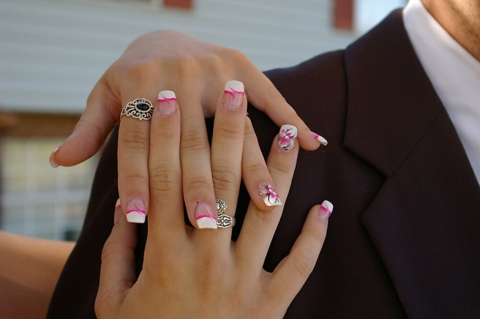 How Do I Stop My Nails From Clubbing?