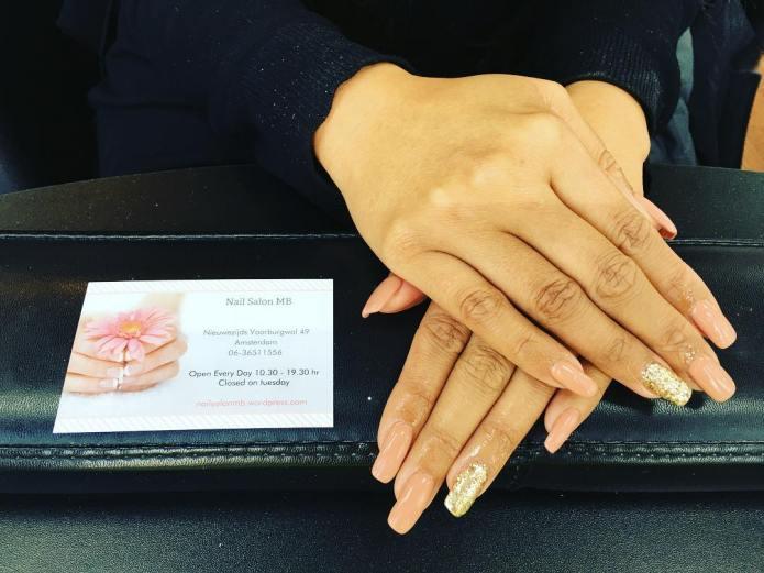 huidskleurige-nagels-nagelsalon