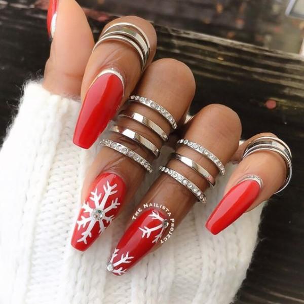 дизайн ногтей красный новогодний 3