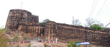 bandhavgarh-fort-1