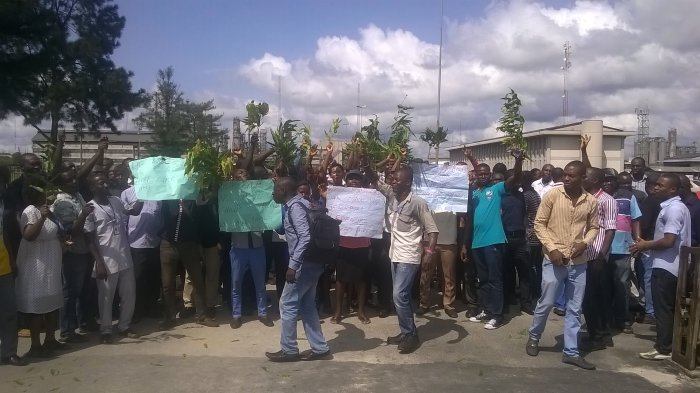 Protesters at Warri Refinery