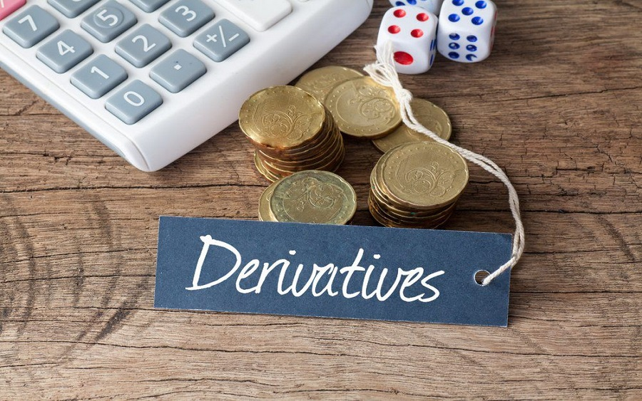 Understanding Derivatives as investment products