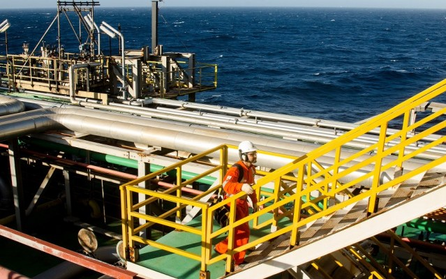 Critics blame FG as Vitol quits oil fields acquisition, Further oil production cutrequired to keep oil price above $40 in 2020
