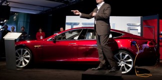 Tesla Inc: Elon Musk nears $346 million paycheck