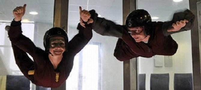 CGかと思った!室内スカイダイビングで、プロによるパフォーマンスが凄すぎる!