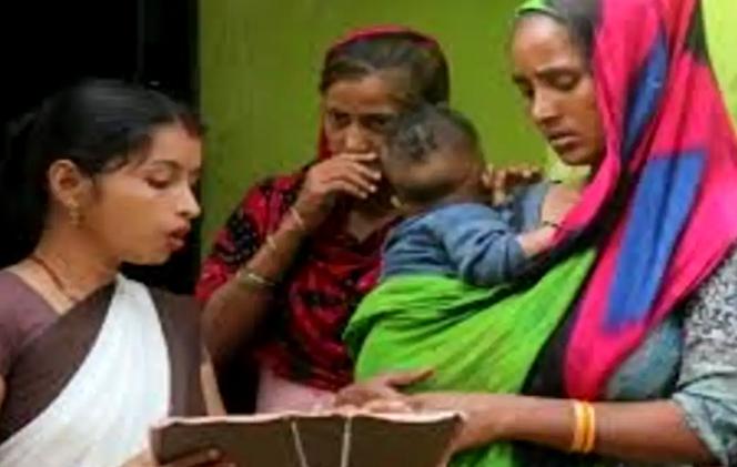 'হাম দো হামারে দো' আইন আনছে যোগীরাজ্য, নিয়ম গেরোয় বাদ যাবেন অর্ধেক বিধায়ক