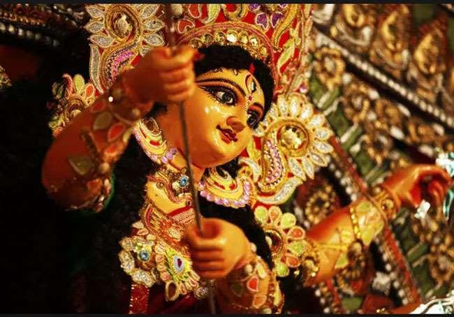 বাজল তোমার আলোর বেনু, ১১ই অক্টোবর, সেই বহু প্রতীক্ষিত বাঙালির শ্রেষ্ঠ উৎসব।