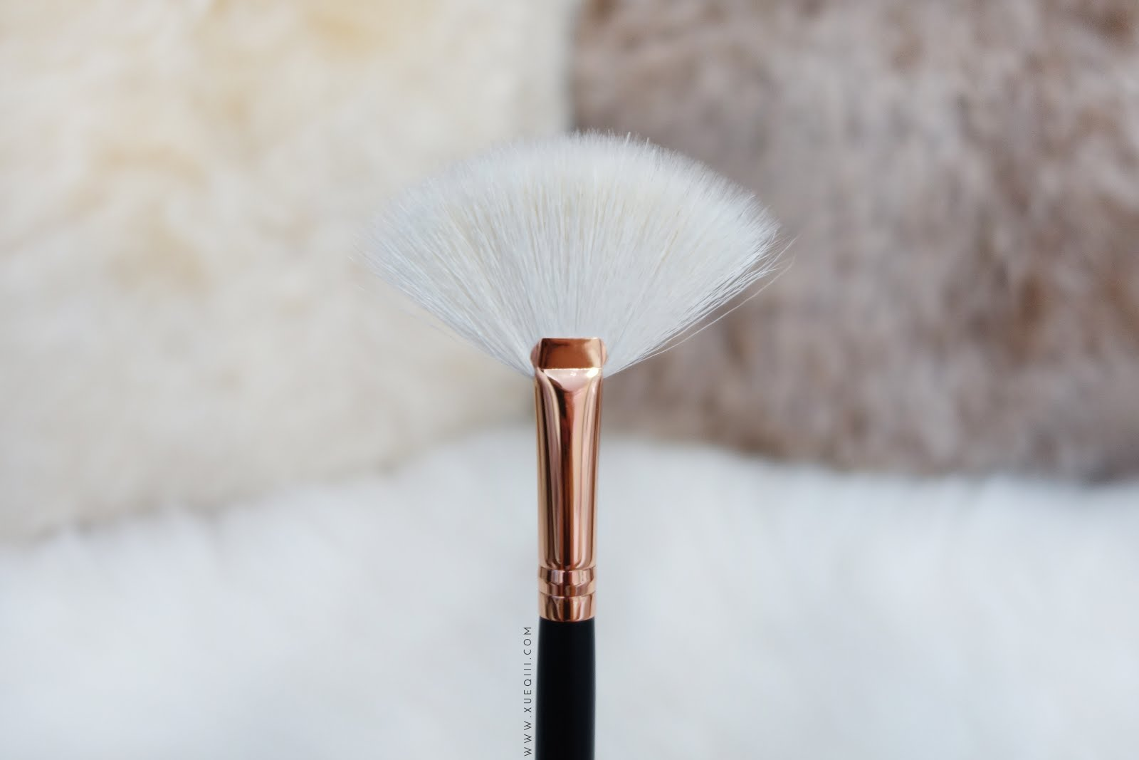 Morphe R12 Rose Gold Fan Brush Najbeauty See more of morphe brushes on facebook. morphe r12 rose gold fan brush