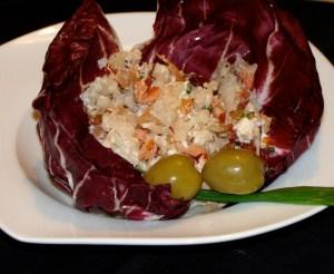 Sałatka z kalafiora, radicchio i łososia