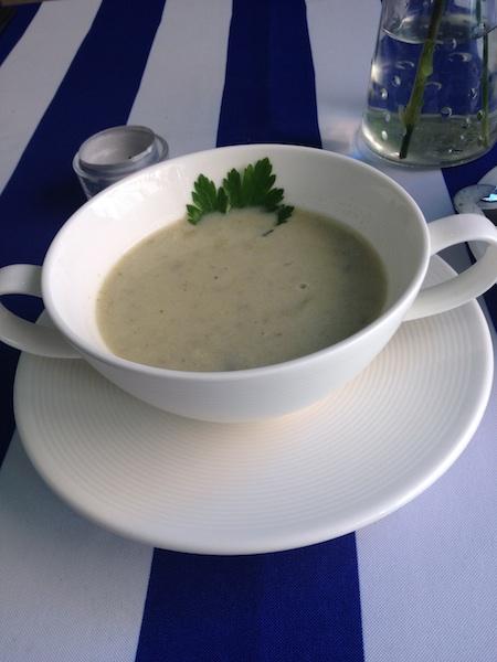 Bretońska zupa rybna ze szczawiu i cydru, Restauracja Szachownica, Poznań