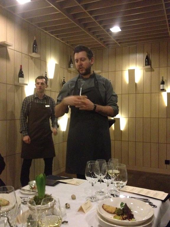 Ernest Jagodzinski prezentuje pierwsze danie - Cucina, Poznań
