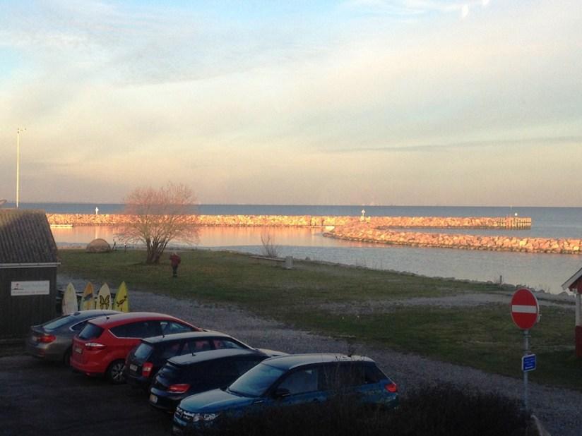 Restauracja Arken, Køge - widok z okna o zachodzie słońca