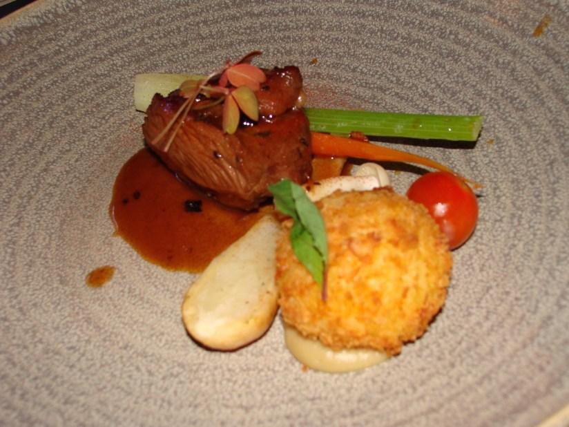 Restauracja Cucina menu degustacyjne - biodrówka jagnięca, ziemniak croquette