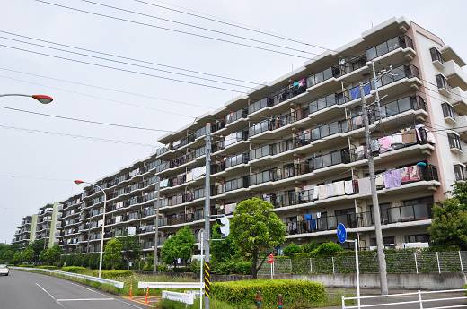 リバティタウン伊勢原10番館の分譲賃貸マンションのご紹介。専用庭がある1階部分です。