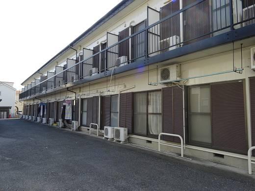 本厚木駅徒歩圏賃貸アパート賃料2万円台|コーポ水引には屋付の駐輪場がありますのでバイクをお持ちの方にお勧めしたいアパートです