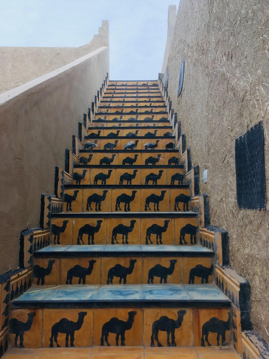 モロッコ フェズからメルズーガへ   サハラ砂漠ツアーへの道のり