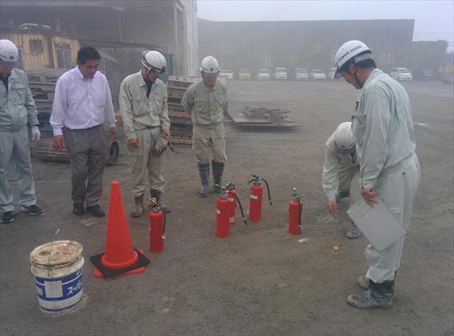 2015-06消火訓練 (11)