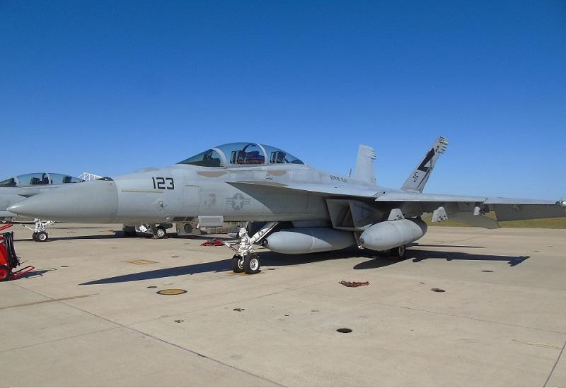Super Hornet ВМС США выполнил полет с новым датчиком, способным обнаруживать стелсы