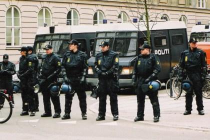 덴마크 경찰(출처: 위키미디어커먼즈 CC PD)