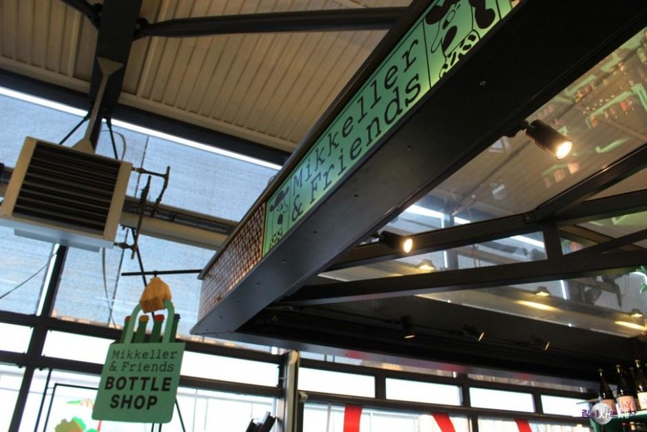 토브할렌 시장 안에 자리잡은 미켈러앤프렌즈 보틀 숍 (사진: 조혜림)