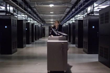 페이스북 데이터센터 (홍보영상 갈무리)