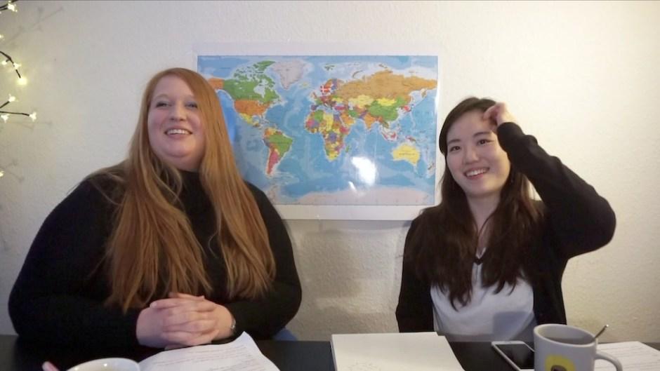 2016년 3월 '덴마크어 배우기' 인터넷 강의 첫 촬영 현장. 지금은 절친이 된 두 사람 사이가 아직 어색하다 (사진: 안상욱)
