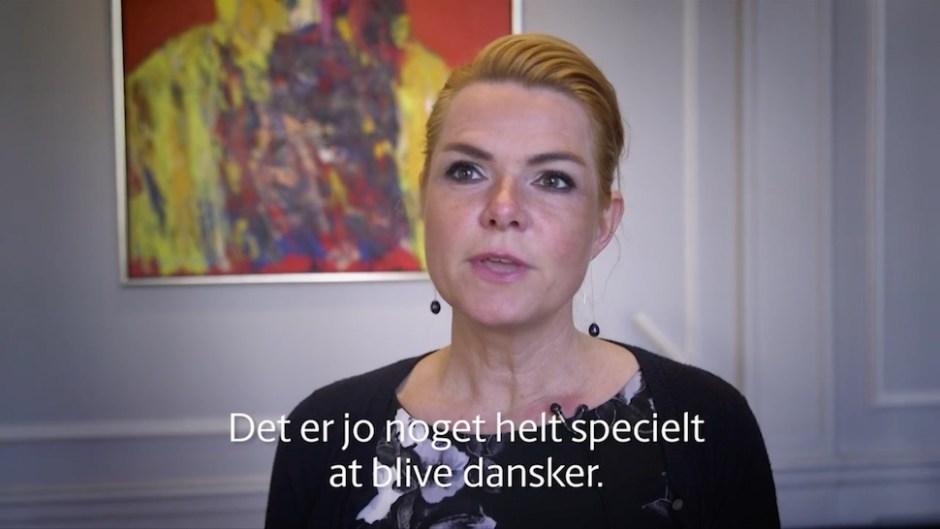 잉게르 스퇴베르(Inger Støjberg) 이민통합부 장관이 시민권 발급 요건 강화를 뼈대로 한 관련 법 개정안을 설명했다 (덴마크 이민통합부 제공)