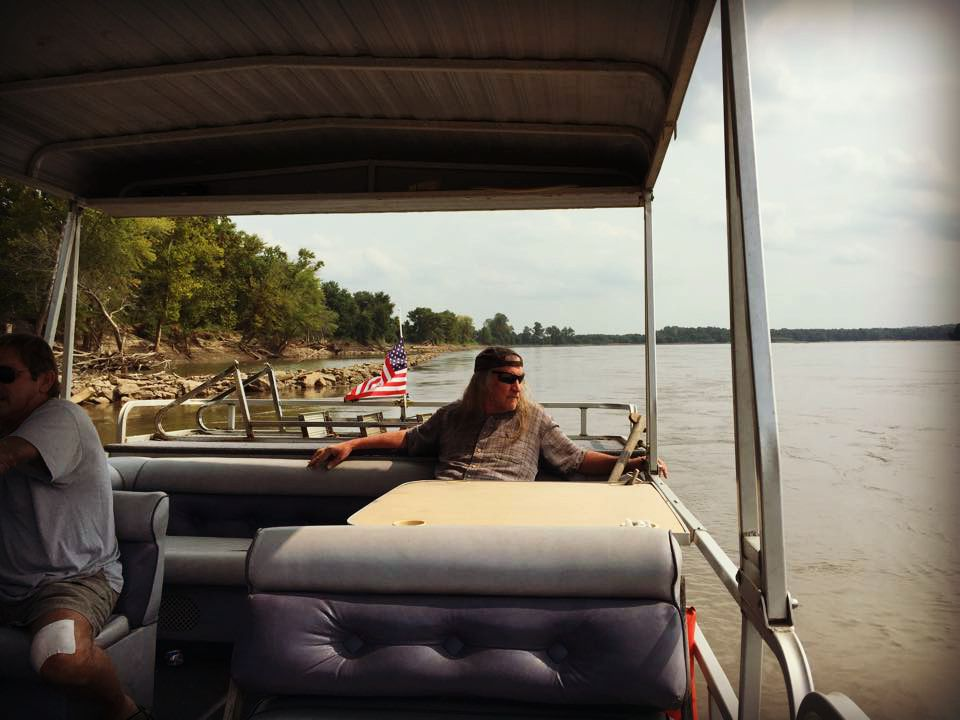 pontoon-on-the-missouri-river-naked-hippies-roadtrip